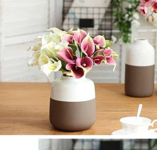 Hoa lụa cao cấp là sản phẩm đa dạng về mẫu mã và màu sắc
