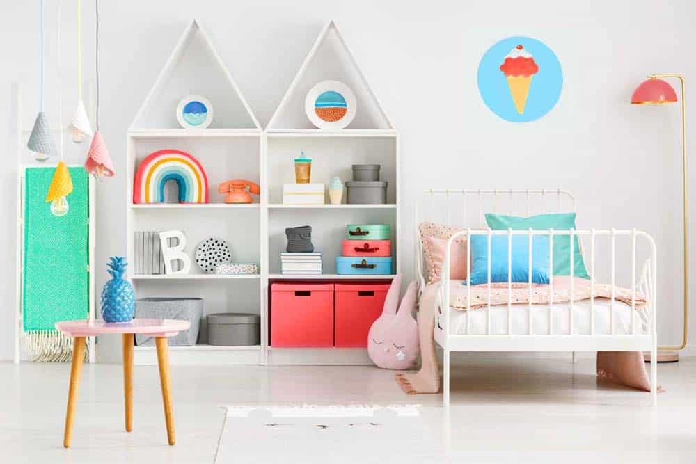 Phòng ngủ cho bé gái rất đáng yêu và nhiều màu sắc