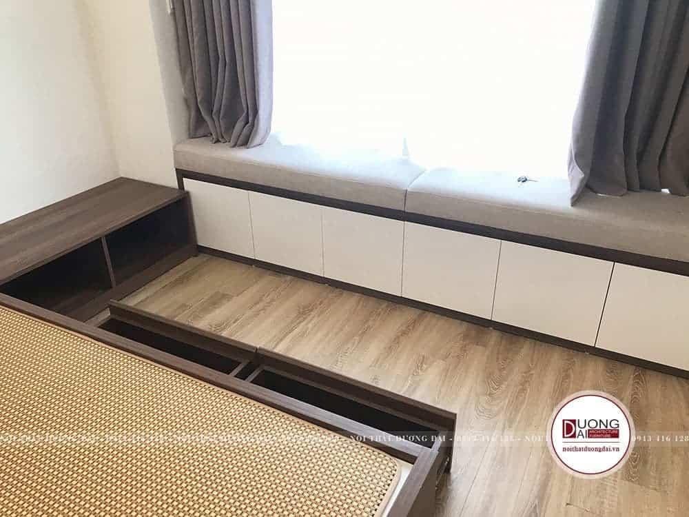 Chiếc sofa thư giãn giúp làm đẹp thêm cho không gian phòng ngủ.