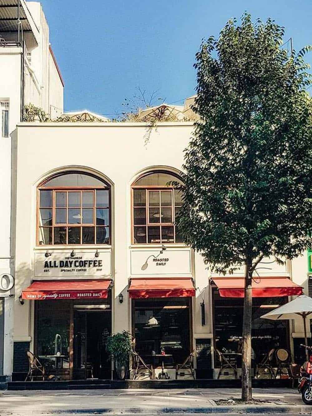 Nhà ống 2 tầng mặt tiền 8m làm quán cafe