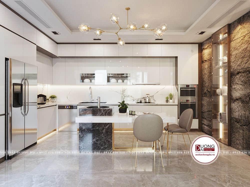 Không gian phòng bếp rộng rãi ốp mặt đá sạch sẽ và sang trọng