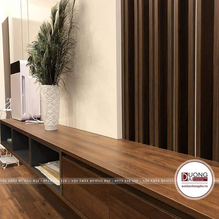 Thiết kế kệ tivi bằng gỗ phủ Laminate màu nâu vân gỗ