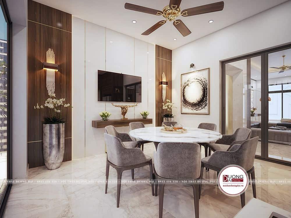 Phòng bếp đẹp ấn tượng và hài hòa với bộ bàn ghế nhập khẩu sang trọng