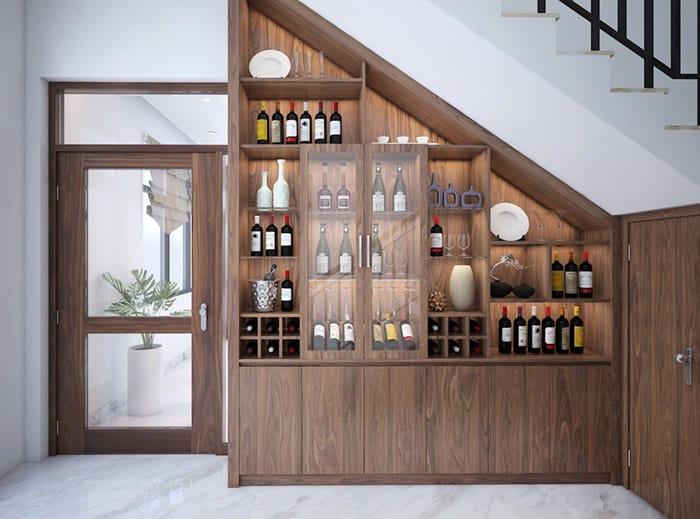 Tủ rượu đặt dưới chân cầu thang