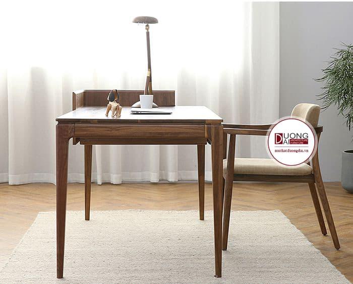 Sự thanh mảnh của bộ bàn ghế khiến thiết kế thật cá tính