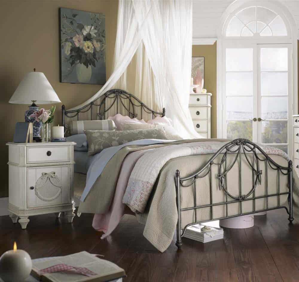 Mẫu thiết kế Vintage với giường ngủ sắt hoài cổ đầy tinh tế