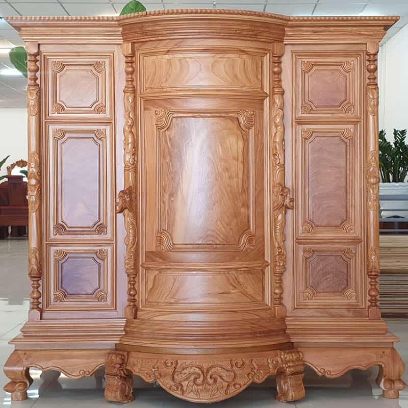 Mẫu tủ trang trọng với thiết kế cổ điển