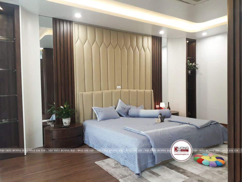 Phòng ngủ ấn tượng có tường bọc da Cleo