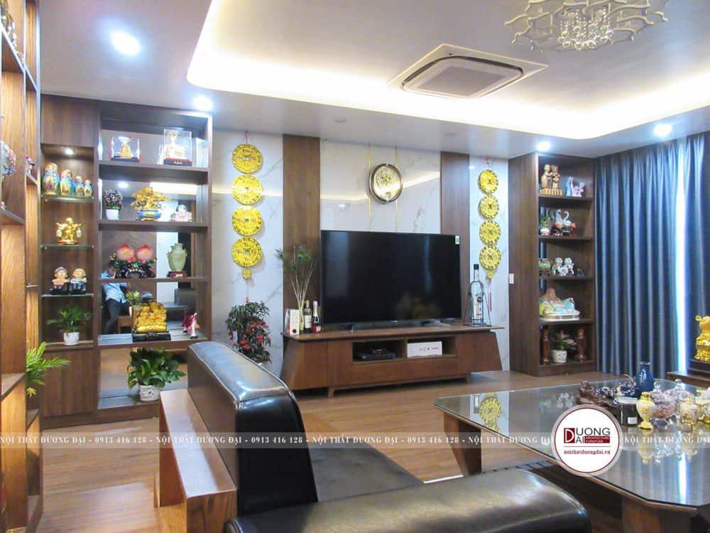 Phòng khách trang nhã và đẳng cấp với nội thất gỗ tự nhiên