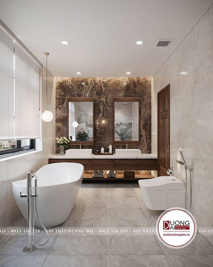 Bức tường phòng tắm được lát đá nghệ thuật