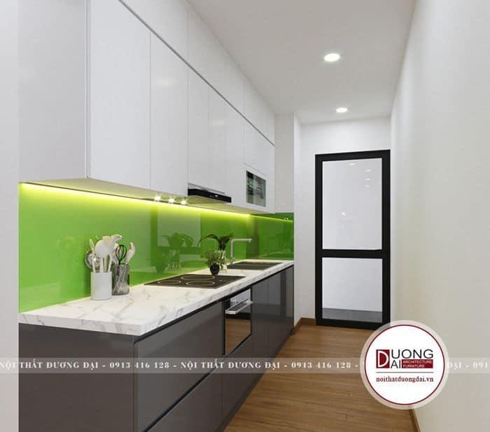 Tủ bếp dưới sáng bóng với gam màu trầm tĩnh và quyền lực