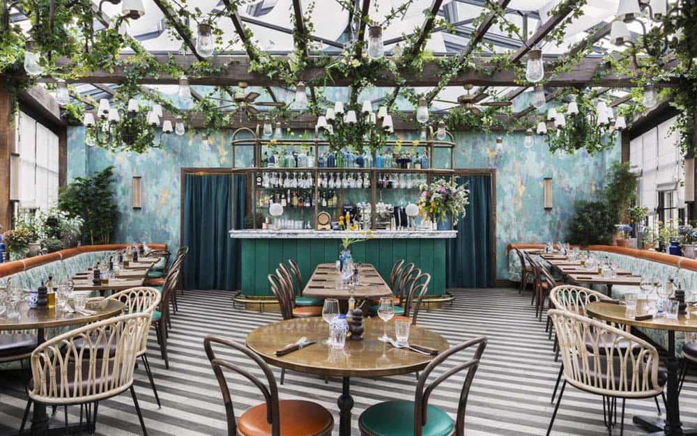 Mẫu thiết kế quán cafe Vintage đẹp với mặt tiền rộng