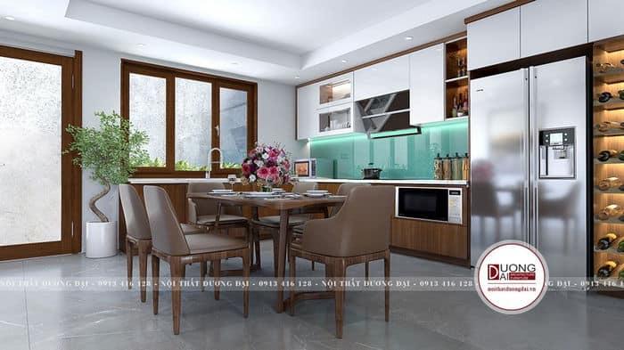 Không gian bếp với sự hài hòa về màu sắc và chất liệu gỗ ấm áp