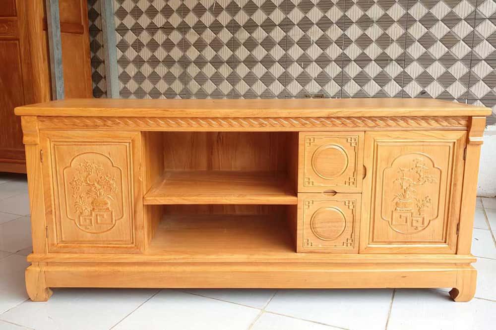 Kệ tivi được làm từ gỗ gõ đỏ Nam Phi