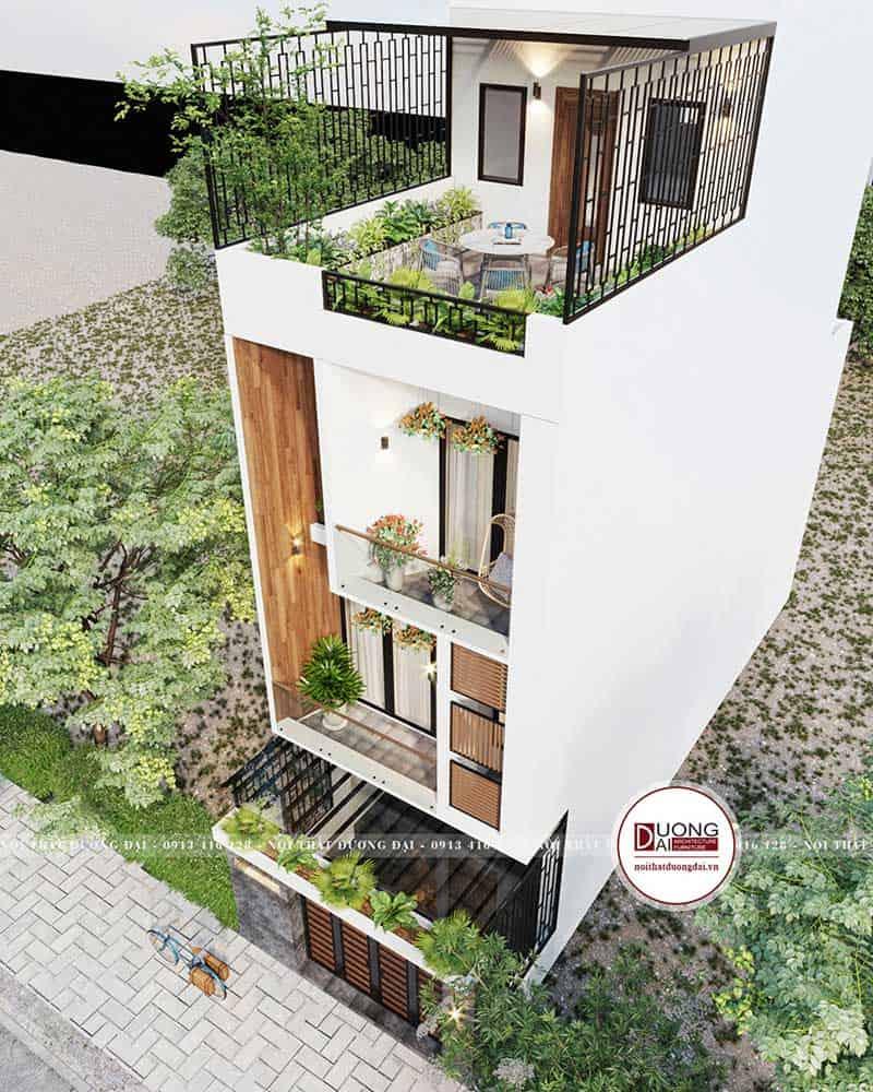 Sân thượng rộng rãi để trồng cây và hóng gió