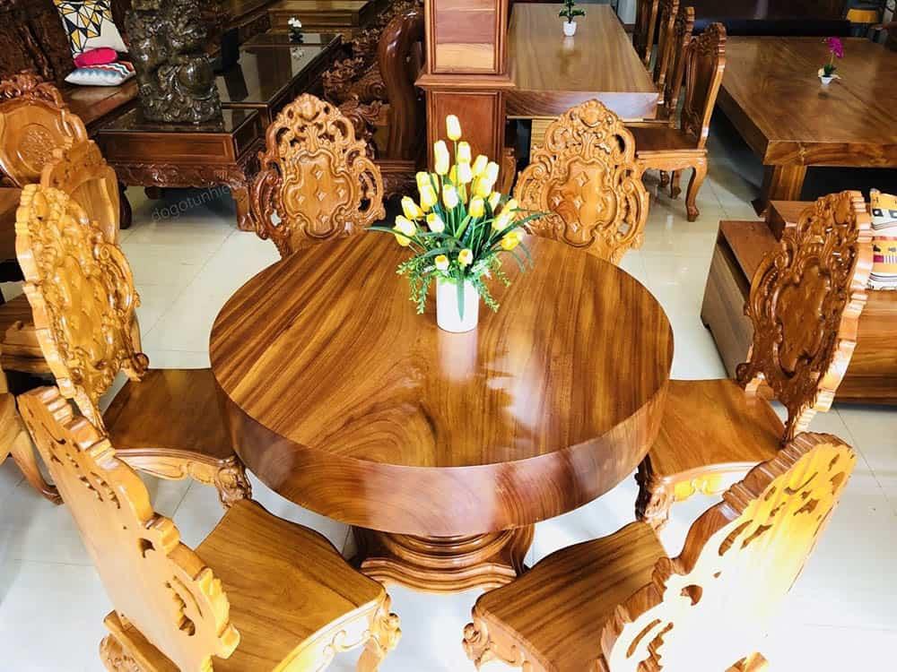 Mẫu bàn tròn sang trọng và quý phái phong cách tân cổ