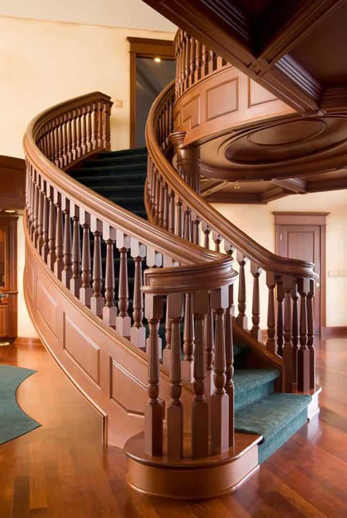 Thiết kế cầu thang gỗ đầy tính mỹ thuật