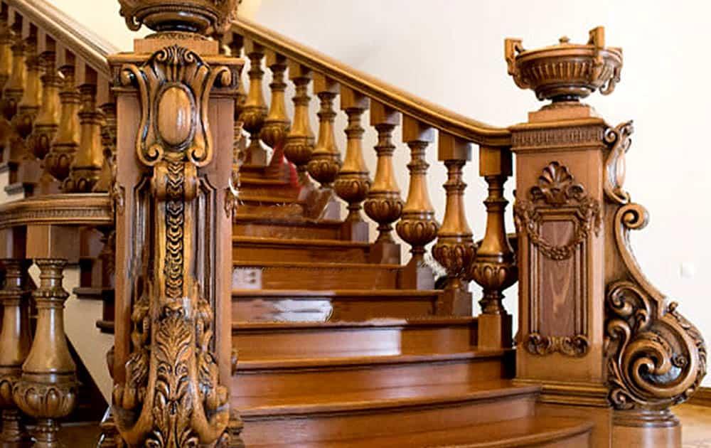 Thiết kế cầu thang gỗ tinh xảo và nguy nga