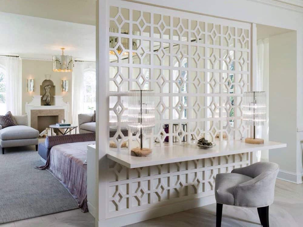 Vách ngăn phòng khách với màu trắng đầy tinh khôi
