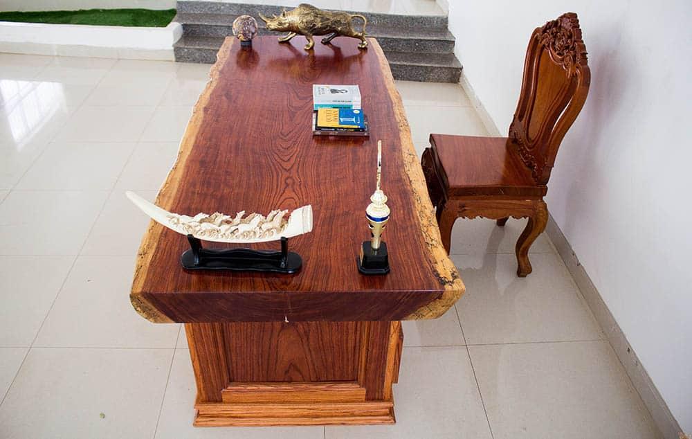 Thiết kế mặt bàn như bức tranh nghệ thuật từ thiên nhiên