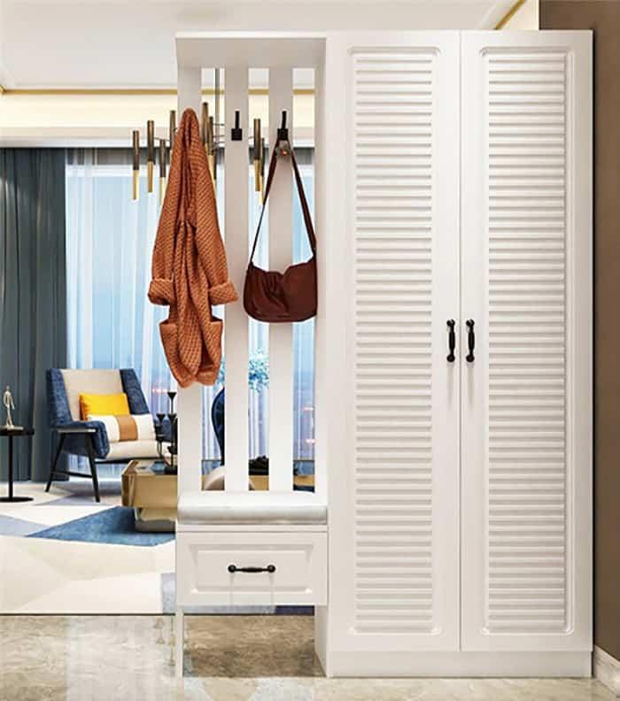 Thiết kế tủ có móc treo đồ đầy tiện nghi