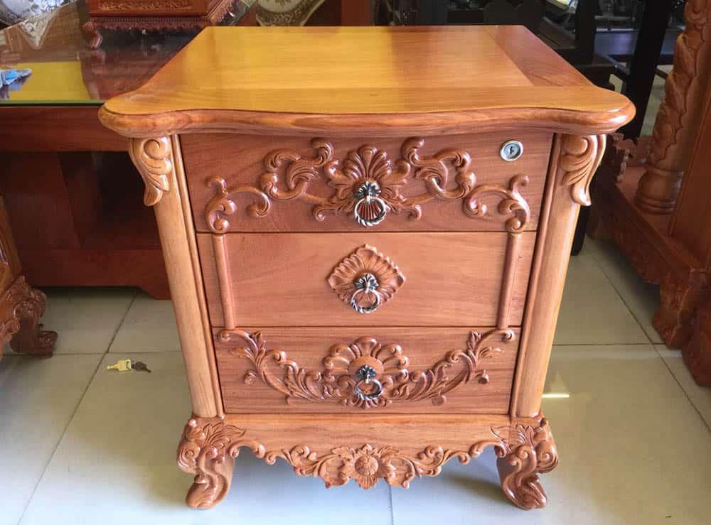 Mẫu tủ tân cổ điển 3 ngăn với chất liệu gỗ Nam Phi
