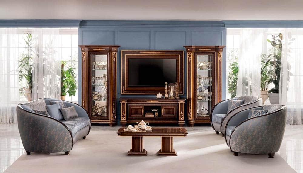 Không gian phòng khách thu hút và vương giả với tủ trưng bày tân cổ