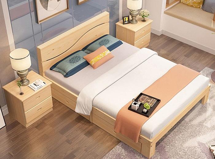 Mẫu giường làm từ gỗ thông có giá thành hợp lý