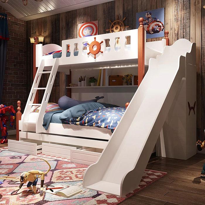 Thiết kế phòng với hình ảnh siêu nhân cho bé trai 8 tuổi