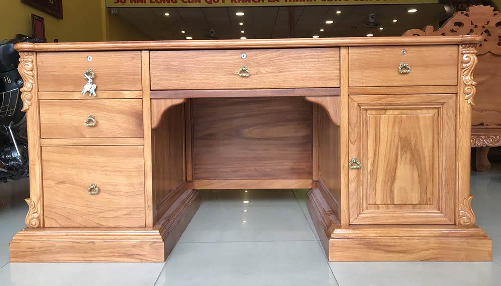 Mẫu bàn đẹp làm từ gỗ Nam Phi có độ bền rất cao
