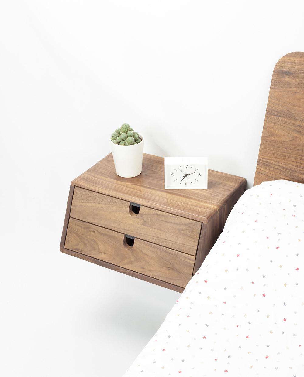 Tab treo tường siêu cá tính cho phòng ngủ diện tích nhỏ