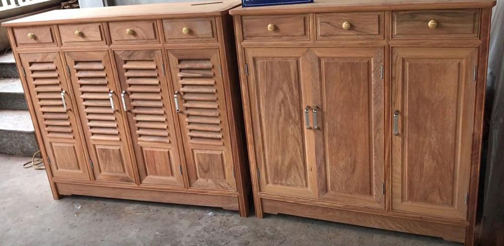 Tủ làm từ gỗ gõ đỏ Nam Phi với màu nâu thẫm tinh tế