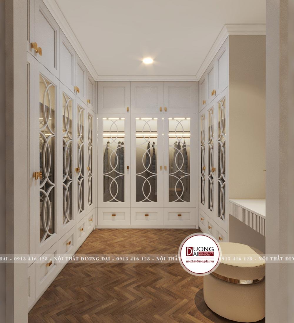 Phòng thay đồ siêu nguy nga với tủ quần áo lớn màu trắng tân cổ điển