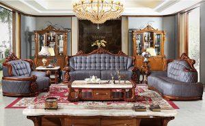 Khung ghế gỗ được điêu khắc hoa văn tinh xảo và cầu kỳ