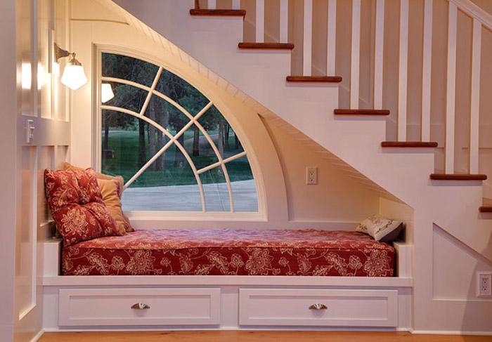 Giường ngủ có những ngăn kéo đựng đồ đơn giản