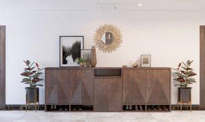 Thiết kế tủ giày siêu đẹp từ gỗ óc chó cao cấp