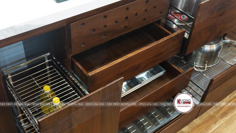 Thiết kế ngăn tủ thông minh sẽ giúp đồ dùng nhà bếp luôn ngăn nắp