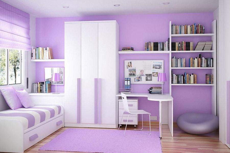 Màu tím được sử dụng cho bức tường và điểm thêm vào nội thất trong phòng