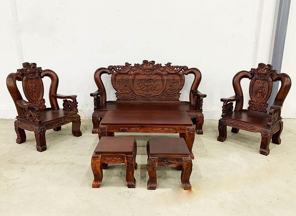 Bàn ghế sofa khi sơn màu đậm có vết đen
