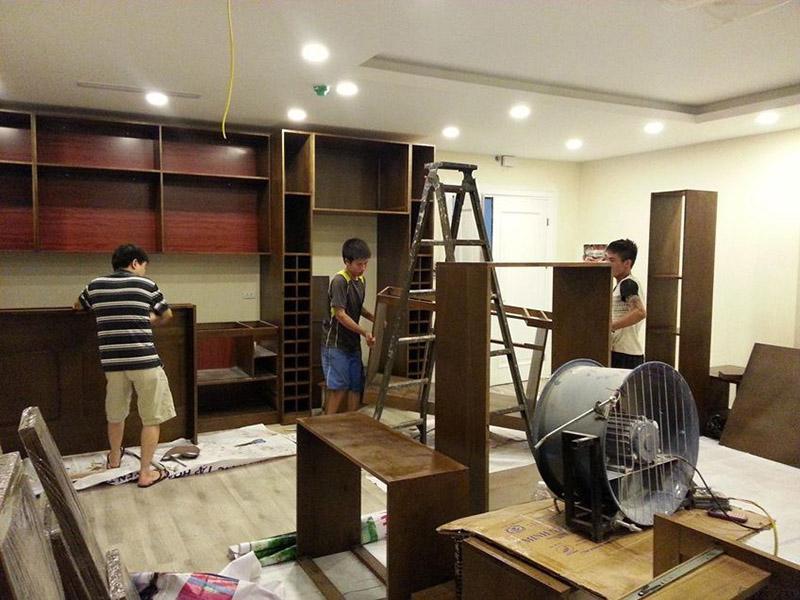 Cải tạo phòng khách nhà ống chi phí thấp hiện đại sang trọng