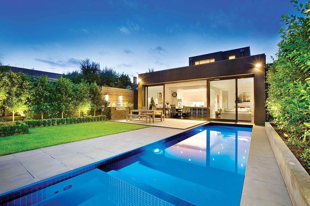 Mẫu biệt thự đẹp cao cấp xa hoa với thiết kế bể bơi hình chữ nhật