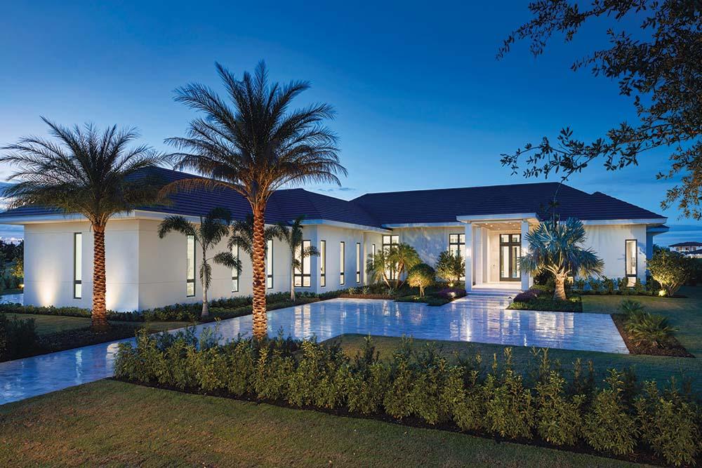 Không gian xanh mát bảo quanh biệt thự tạo sự thư giãn và trong lành cho cuộc sống