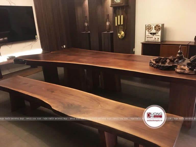 Bộ bàn ghế độc đáo nguyên tấm từ gỗ óc chó