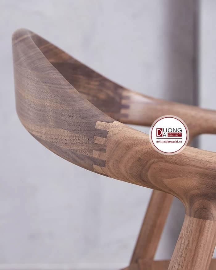 Những chi tiết gỗ được nối với nhau rất tỉ mỉ