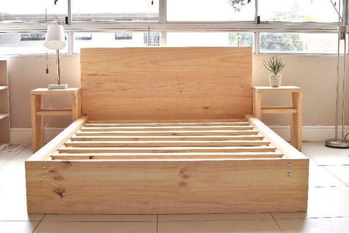 Với những người yêu thích sự đơn giản, mộc mạc thì giường gỗ thông là sự lựa chọn đáng để quan tâm