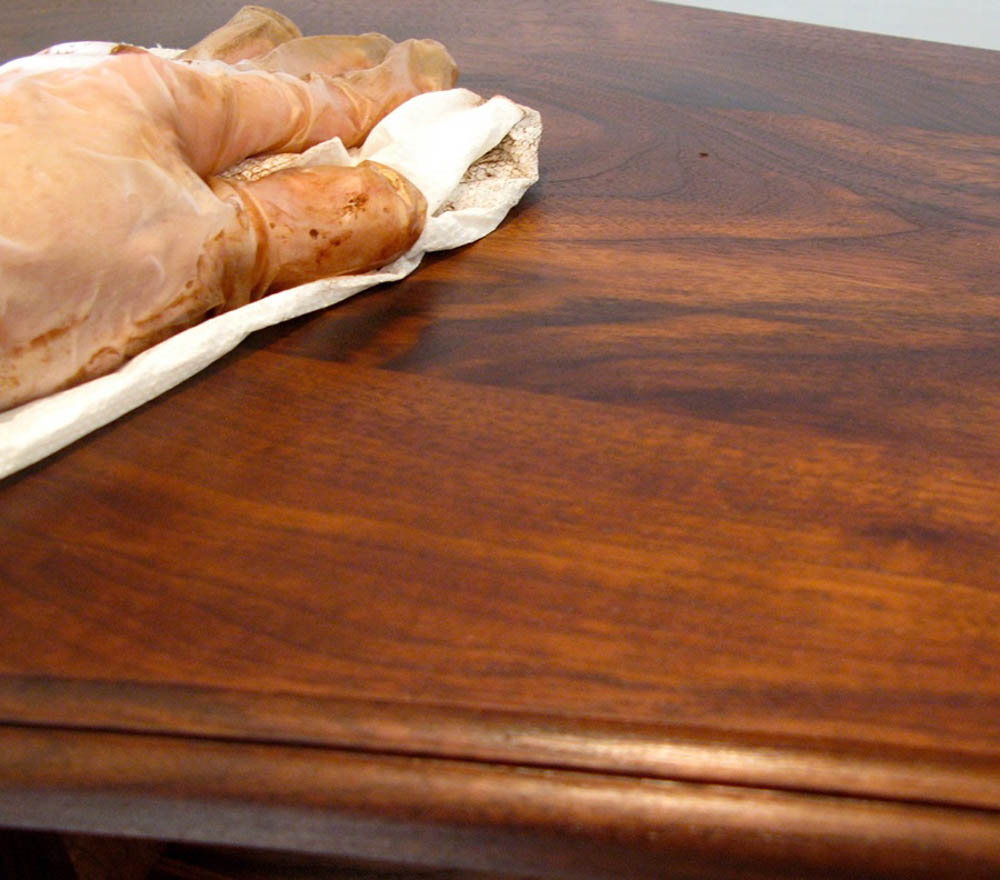 Bảo quản nội thất gỗ óc chó