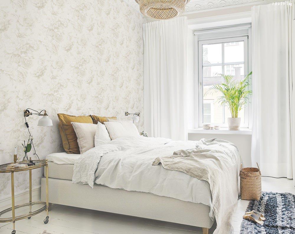 Trang trí phòng ngủ bằng giấy dán tường dễ thi công