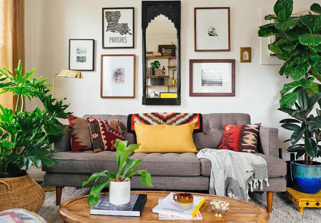nên đặt cây ở các góc phòng và đặc biệt là sử dụng cây lá tròn để nguồn năng lượng được lưu thông khắp căn nhà