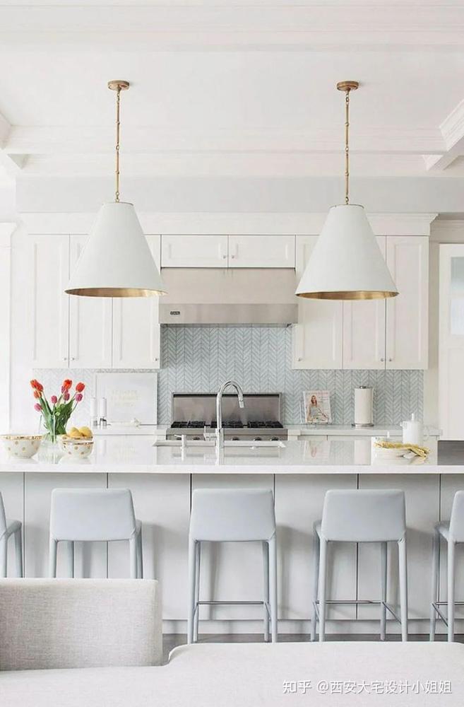 người yêu thích thường phải tối giản thì sự kết hợp với màu pastel và màu trắng là sự kết hợp hoàn hảo nhất
