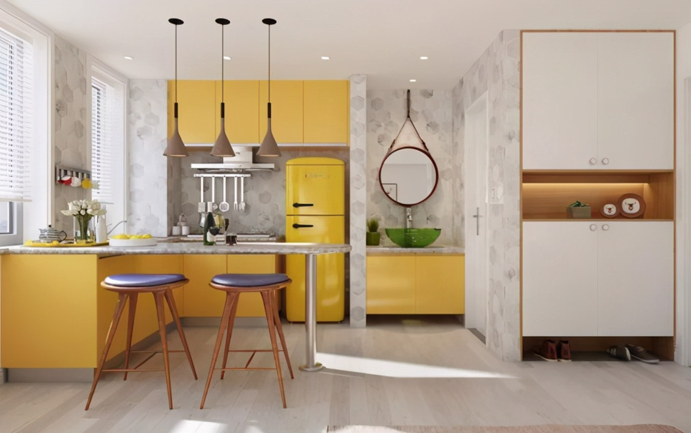 Căn bếp nhỏ nhắn nhưng đầy đủ ánh sáng với gam màu vàng cá tính và hiện đại